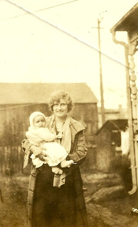 Melvina and baby Lucy 1929-30