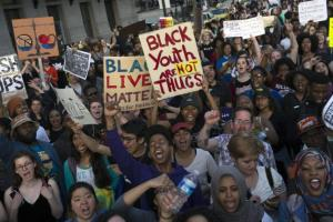 Peaceful-Freddie-Gray-protesters-fill-streets-of-Baltimore